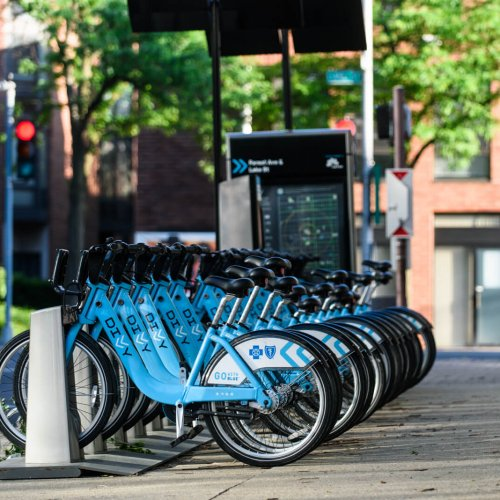 Divvy bikes in Downtown Oak Park, IL
